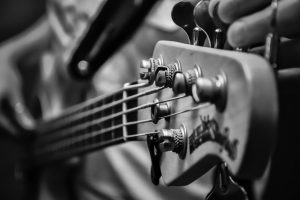 Bass vs Guitar: Difference, Difficulty